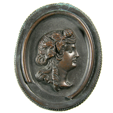 Cameo. Maenad head